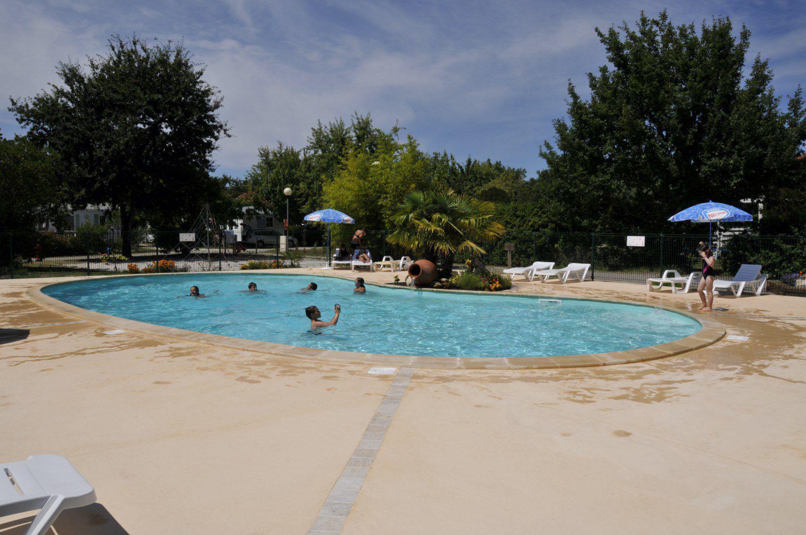 Schiro constructions terrasse de piscines marmande for Construction piscine langon